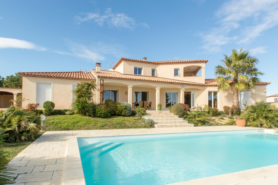 Luxury Villas In South Of France With Pools
