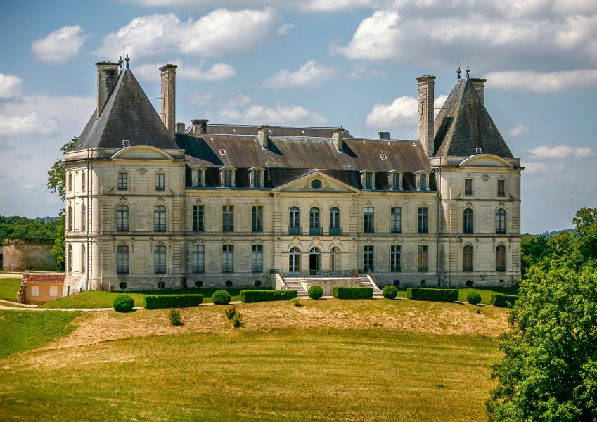 Chateau for sale in perigueux dordogne ch teau of for French country houses for sale