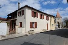 Maison à vendre à La Roche-Chalais, Dordogne, Aquitaine, avec Leggett Immobilier