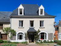 Grande maison de village, 8-9 chambres, potentiel de chambres d'hôtes, en Dordogne, petite ville avec toutes les commodités.