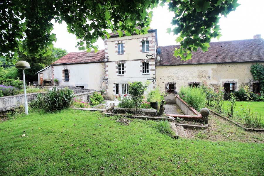 Moulin vendre en basse normandie orne longny au perche for Piscine mortagne au perche