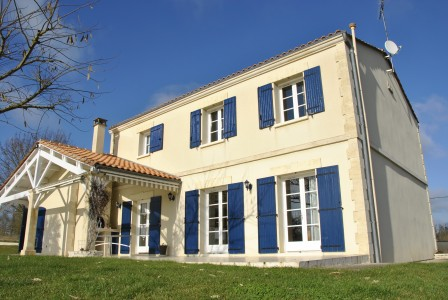 French property, houses and homes for sale in ST SATURNIN Charente Poitou_Charentes