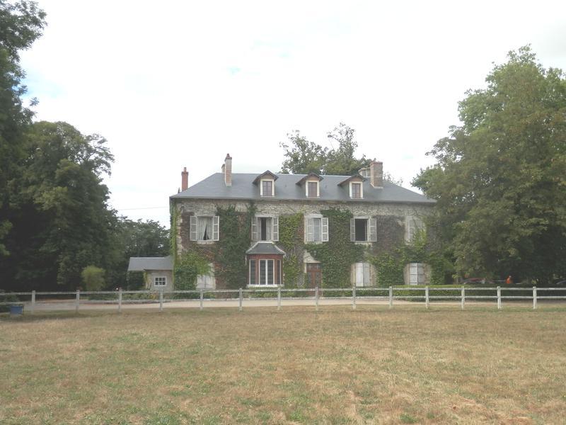 Chateau vendre en auvergne allier pouzy mesangy for Acheter maison auvergne