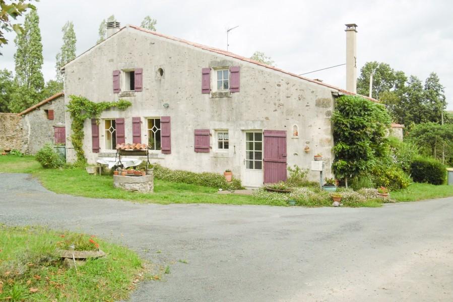 maison 224 vendre en pays de la loire vendee la chataigneraie maison renov 233 e et corps d une