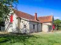 Une fermette en activité, superbe maison de 3 chambres, de nombreuses dépendances, 132 hectares de terrain.