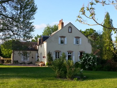 French property, houses and homes for sale in MONTOLDRE Allier Auvergne