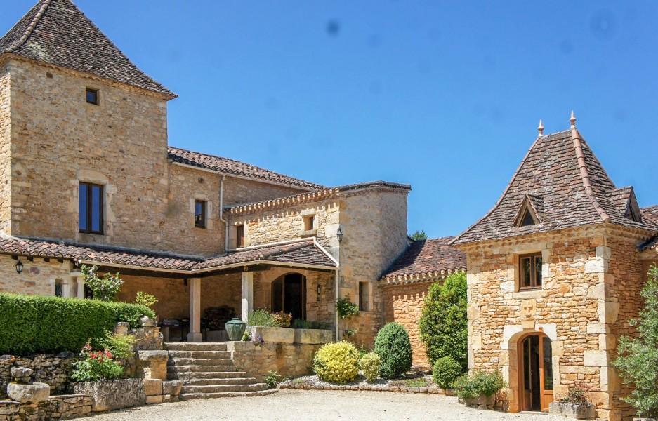 maison vendre en midi pyrenees lot puy l eveque magnifique domaine en pierre du quercy. Black Bedroom Furniture Sets. Home Design Ideas