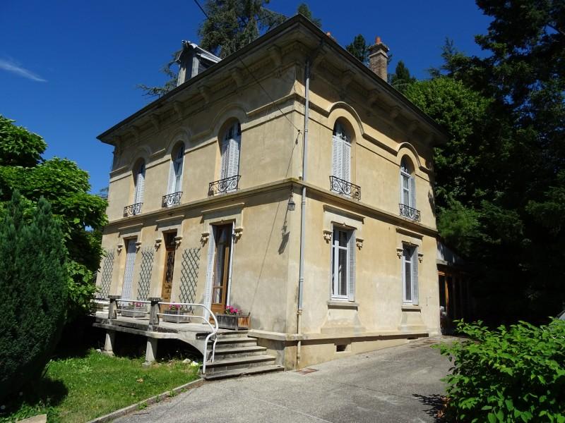 Maison vendre en rhone alpes isere grenoble villa for Piscine la cote st andre