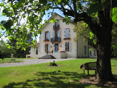 French property, houses and homes for sale in ESPINASSE VOZELLE Allier Auvergne