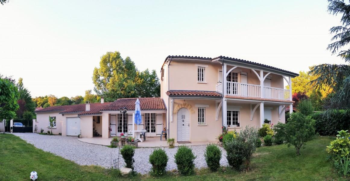 Maison vendre en aquitaine dordogne champcevinel for Acheter une maison a 2