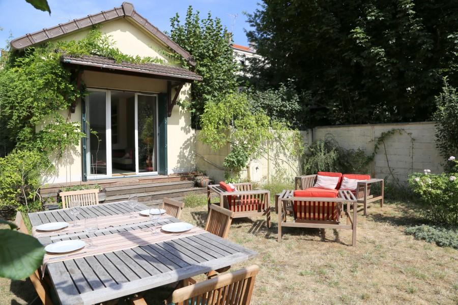 Maison vendre en ile de france seine saint denis les lilas superbe maison contemporaine de - Maison de jardin jura lodge smoby saint denis ...