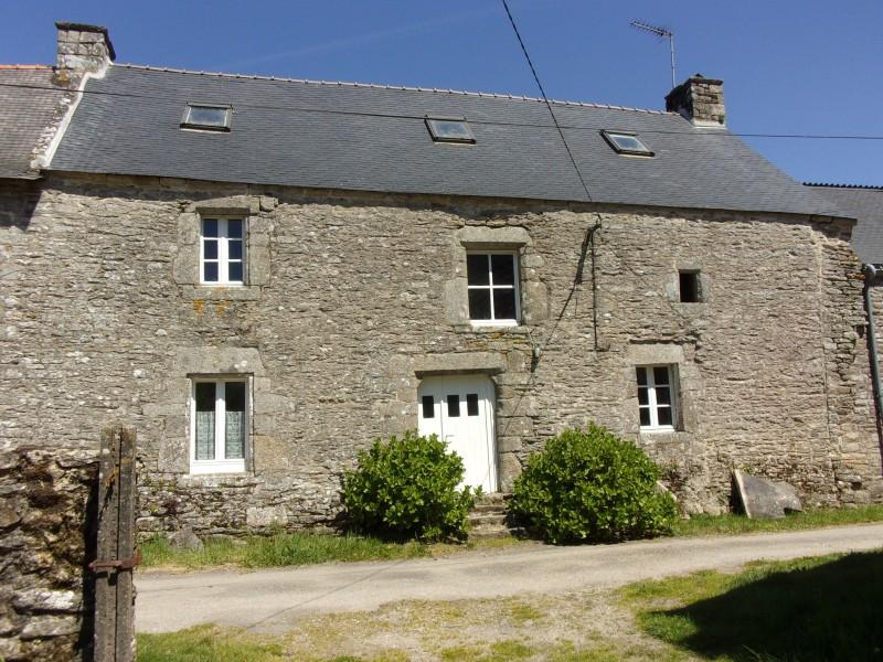 maison vendre en bretagne morbihan lizio maison de hameau beaux volumes sur 3 niveaux. Black Bedroom Furniture Sets. Home Design Ideas