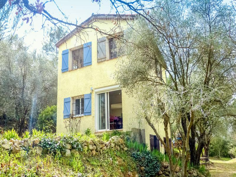 maison vendre en paca var draguignan draguignan villa. Black Bedroom Furniture Sets. Home Design Ideas