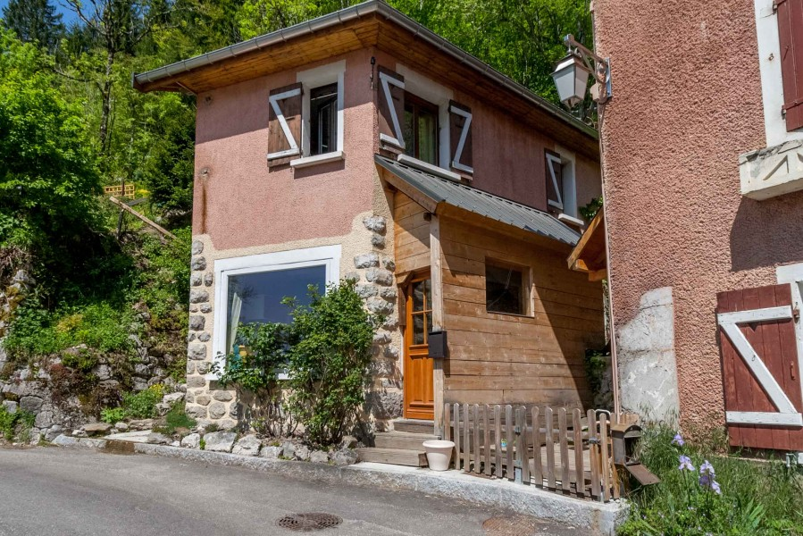 maison 224 vendre en rhone alpes haute savoie annecy charmante maisonette de avec un