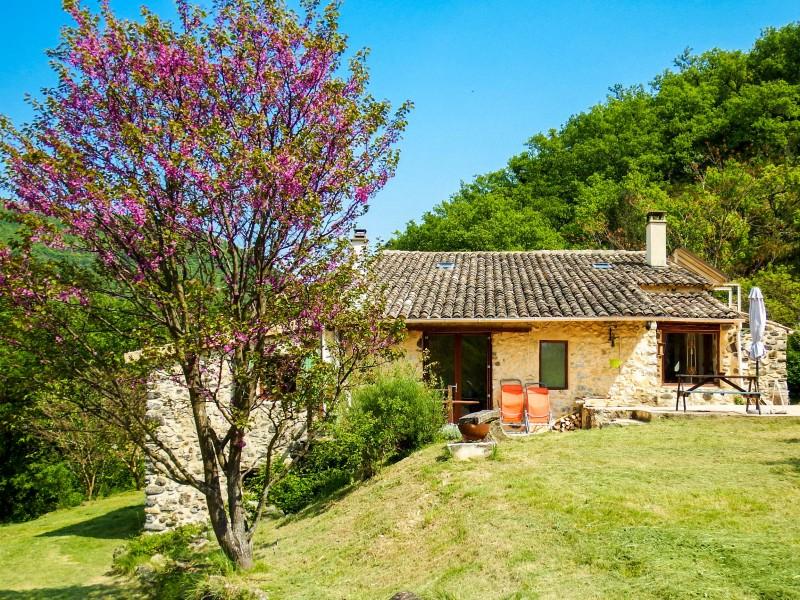 Maison vendre en rhone alpes ardeche meysse charmante for Acheter une maison en ardeche