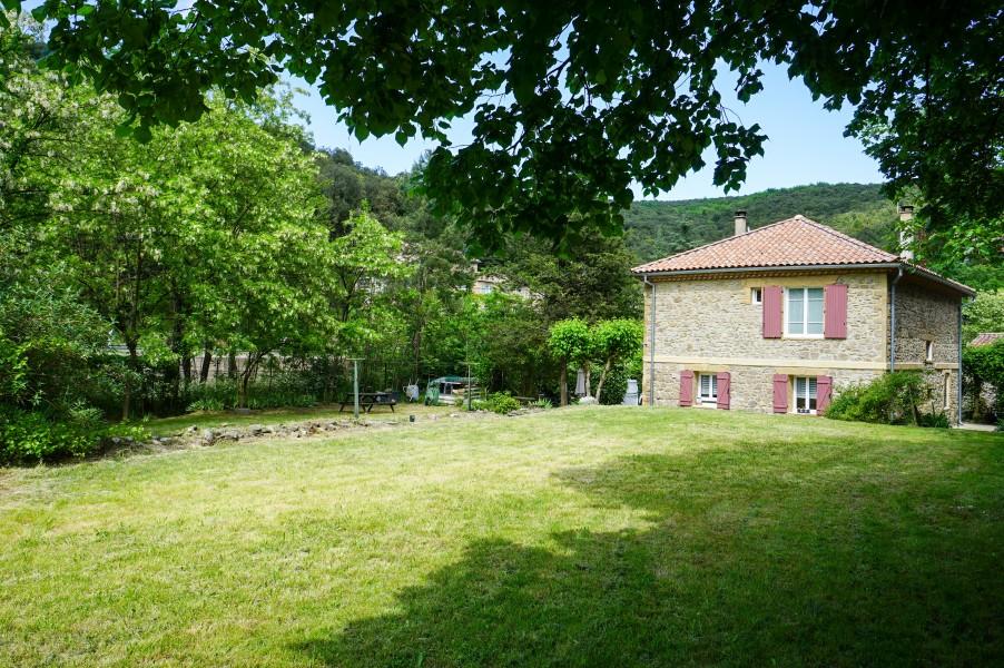 Maison vendre en languedoc roussillon gard les salles du gardon belle maison en pierre 3 - Grand garage du gard occasion ...