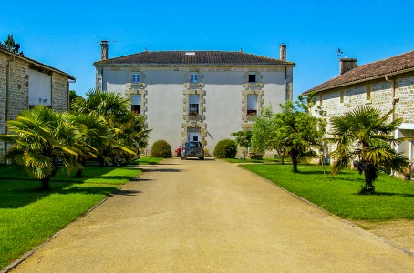 French property, houses and homes for sale in STE BLANDINE Deux_Sevres Poitou_Charentes