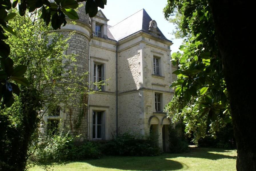 Maison vendre en pays de la loire vendee fontenay le comte beau petit ch teau avec 8 - Vive le jardin fontenay le comte ...