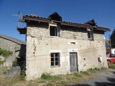 French property, houses and homes for sale in LEIGNES SUR FONTAINE Vienne Poitou_Charentes
