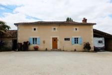 Maison à vendre à CHAMPAGNE MOUTON, Charente, Poitou_Charentes, avec Leggett Immobilier