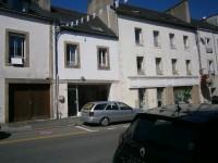 Maison à vendre à CARHAIX PLOUGUER, Finistere, Bretagne, avec Leggett Immobilier