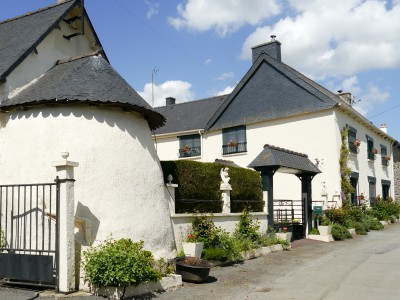 French property, houses and homes for sale in ROUILLAC Cotes_d_Armor Brittany