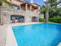 Cabris. Magnifique villa d'architecte avec vue impressionante
