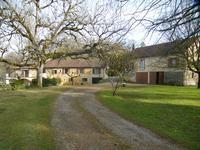 En Dordogne à proximité d'un village touristique - entre Sarlat et Bergerac