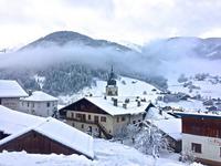 Appartement de ski, 1,5 chambres dans le village d'Areches Beaufort. 50 m des remontées mécaniques, avec vue panoramique