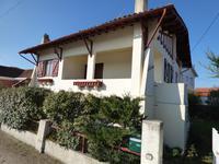 Maison traditionnelle seulement 3 minutes à pied de la plage et du centre ville de Soulac sur Mer
