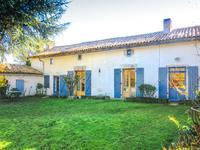 Charmante maison de 4 chambres avec jardin et dépendances dans un hameau calme