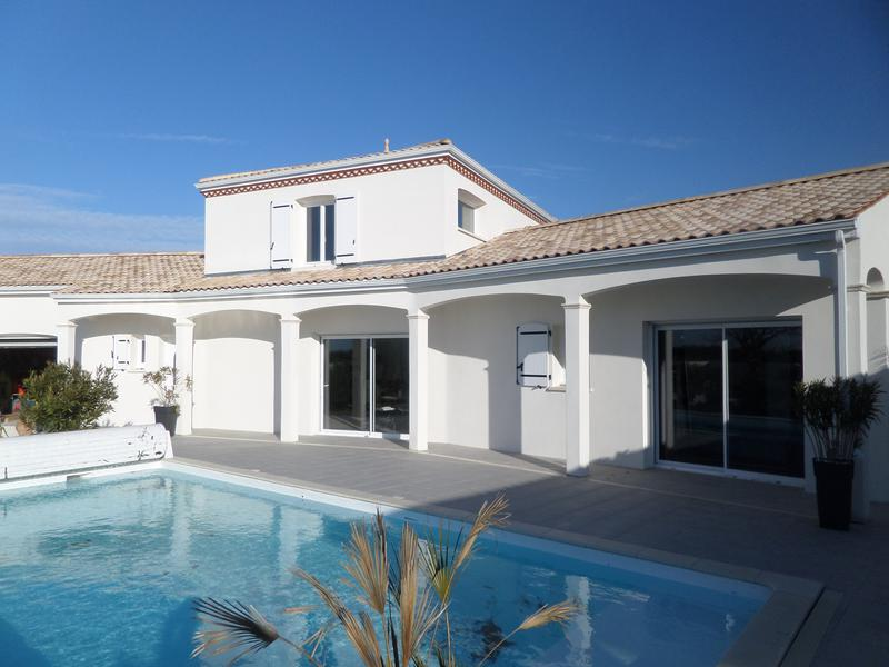 Maison vendre en poitou charentes charente maritime for Villa charente maritime avec piscine