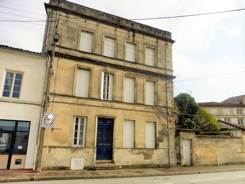 maison 224 vendre en poitou charentes charente cognac maison de ville impressionnante avec cour