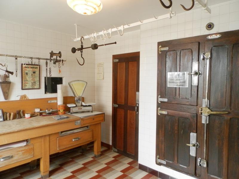 maison vendre en aquitaine dordogne la bachellerie maison d 39 artistes vendue meubl e cl en. Black Bedroom Furniture Sets. Home Design Ideas