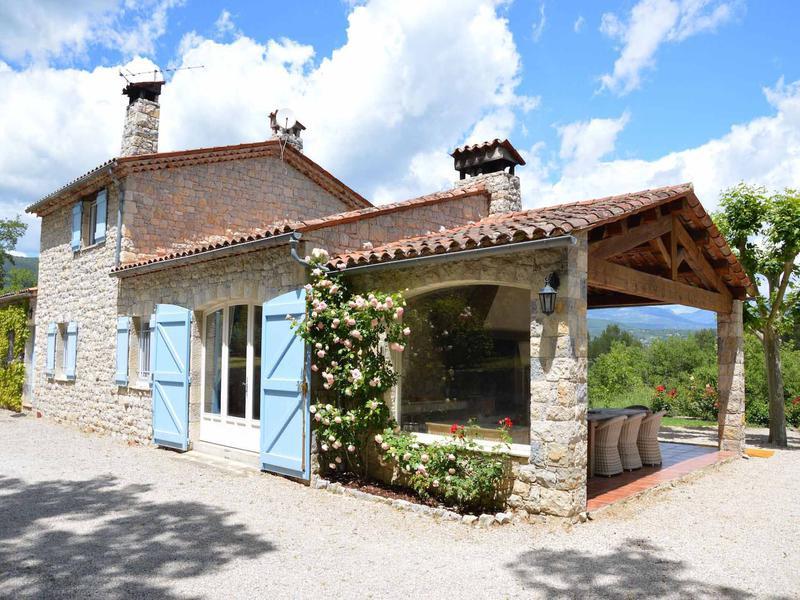 maison vendre en paca var fayence tr s belle maison en pierre de taille 3 chambres 2. Black Bedroom Furniture Sets. Home Design Ideas