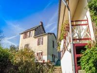 Belle maison de trois chambres, gite, garage, grand jardin, une parcelle de forêt un peu plus loin, une belle vue dans hameau proche commodités quotidiennes