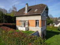 3 chambres maison de village, avec jardin proche de toutes commodités locales.