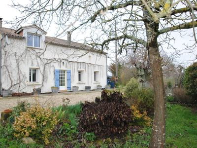 French property, houses and homes for sale in DEUX-MERS Gironde Aquitaine