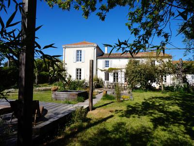 French property, houses and homes for sale in SAINT SAUVEUR D AUNIS Charente_Maritime Poitou_Charentes