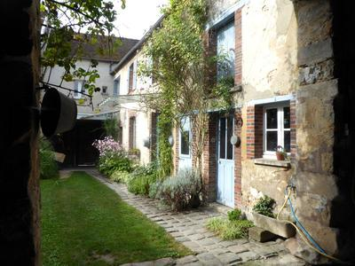 French property, houses and homes for sale in Sens Yonne Bourgogne
