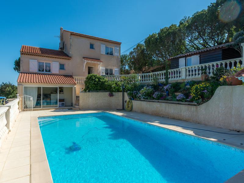 Maison vendre en paca var frejus st aygulf villa d for Prix piscine 5x10