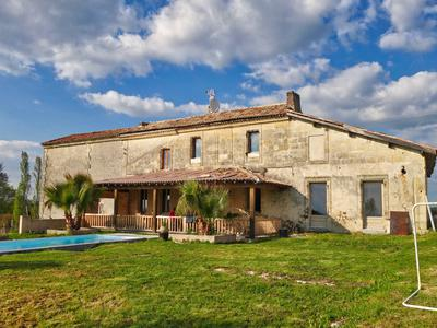 French property, houses and homes for sale in LE FIEU Gironde Aquitaine