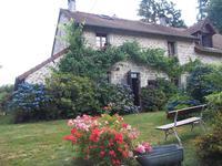Maison de campagne de 3 chambres, joli jardin, parking privé, dépendances, 15 minutes de Bénévent l'Abbaye