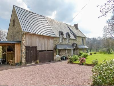 French property, houses and homes for sale in LA CHAISE BAUDOUIN Manche Normandy