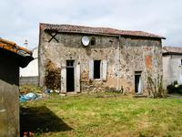 French property, houses and homes for sale in COURLAY Deux_Sevres Poitou_Charentes