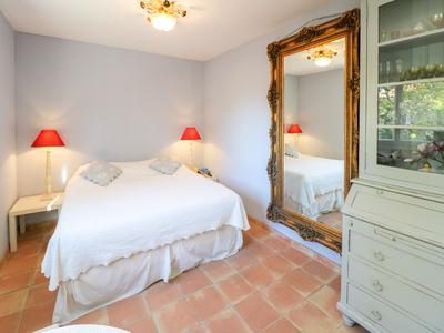 Saint Tropez, villa in a superb location near beach