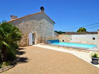 French property for sale in ANGOULEME, Charente - €368,000 - photo 3