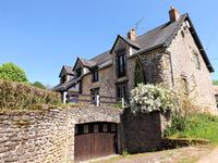 French property for sale in CHAMPGENETEUX, Mayenne - €224,700 - photo 9