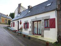 French property for sale in LOCMARIA BERRIEN, Finistere - €84,700 - photo 2