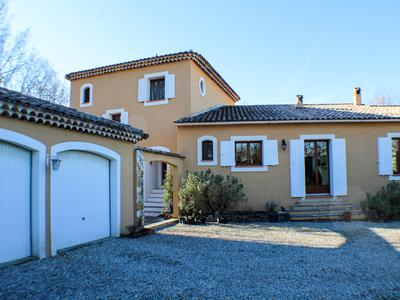 Superb house in Provence. Family home with 5 bedrooms, garden, swimming pool. Walk to village of Regusse